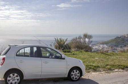 Car hire overlooking Mgarr harbour