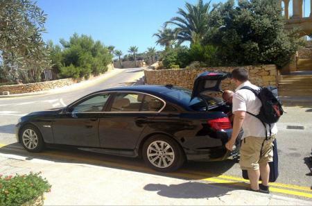 Notre BMW et Mayjo chauffeur