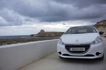 Voiture Peugeot Gozo