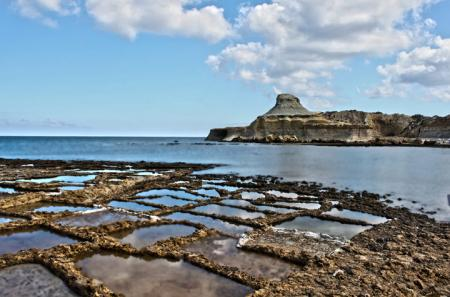 Xwejni Bay a Marsalforn